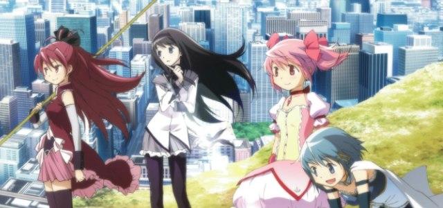 De gauche à droite : Kyoko, Homura, Madoka, Sayaka