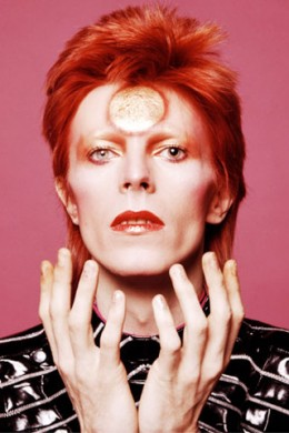 2014-09-24-davidbowie1973makeuplook320x480